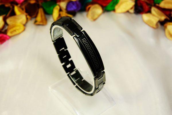 دستبند استیل مشکی طرح ورساچی